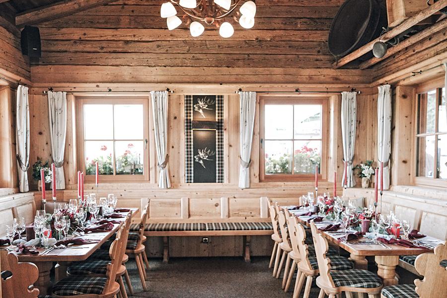 urigen Stube. Platz finden bis zu 270 Gäste. Individuell. Einzigartig. Heiraten in den Bergen.